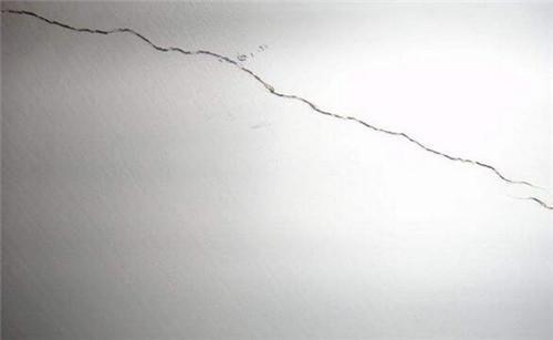 墙体开裂?选择集成墙面轻松解决难题